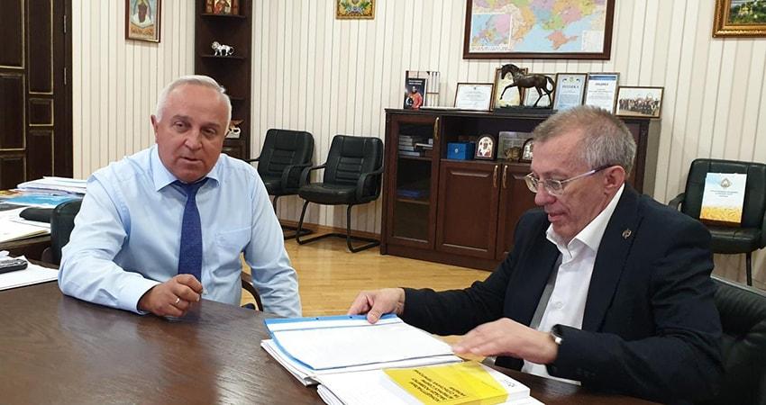 Перший заступник Міністра Микола Кизим на зустрічі з президентом НААН Ярославом Гадзалом