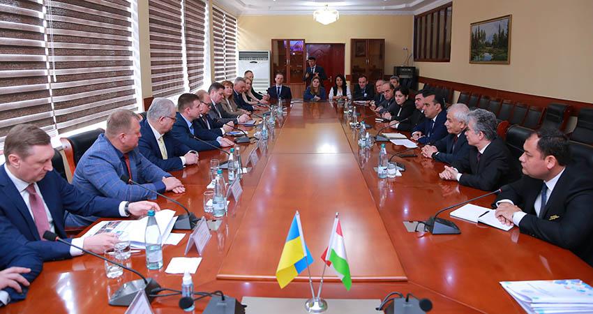 Співпраця між Україною та Республікою Таджикистан. Які домовленості підписані?